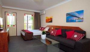 Central Railway Hotel - Surfers Gold Coast