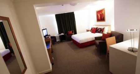Townhouse Hotel - Surfers Paradise Gold Coast