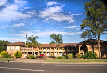 Cumberland Motor Inn - Surfers Gold Coast