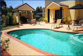 Hopkins House Motel  Apartments - Surfers Gold Coast