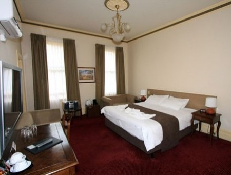 Glenferrie Hotel - Surfers Gold Coast