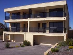 The Lighthouse Accommodation - Surfers Gold Coast