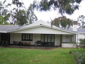 Naracoorte Cottages - Pinkerton Hill - Surfers Gold Coast