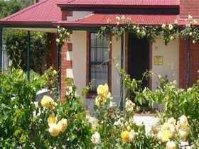 Wine And Roses Bed And Breakfast - Surfers Gold Coast