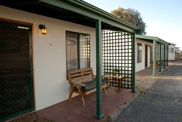 Moonta Bay Road Cabins and Cottages - Surfers Gold Coast