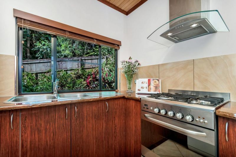 Platypus Springs Rainforest Retreat - Surfers Paradise Gold Coast