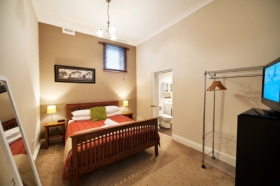 Burnie City Apartments - Surfers Gold Coast