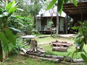 Ride On Mary Bush Cabin Adventure Stay - Surfers Gold Coast