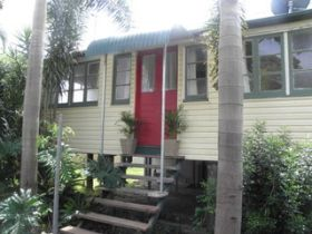 The Red Ginger Bungalow - Surfers Gold Coast