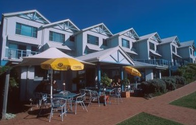 Breakers Apartments Mollymook - Surfers Gold Coast