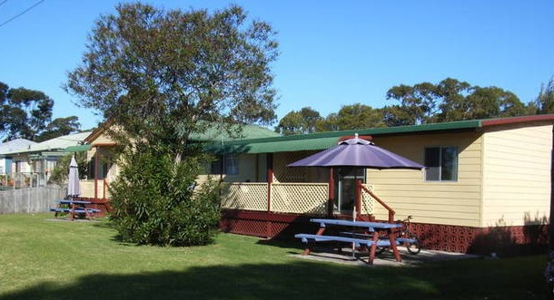 Alonga Cottages - Surfers Gold Coast