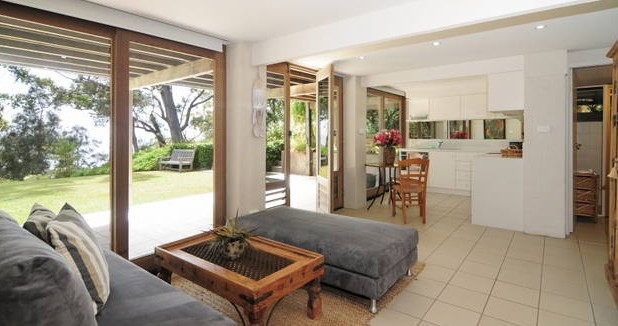 Bungalows on the Beach - Surfers Paradise Gold Coast