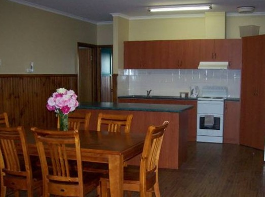 Riverland Holiday Cottage - Surfers Paradise Gold Coast