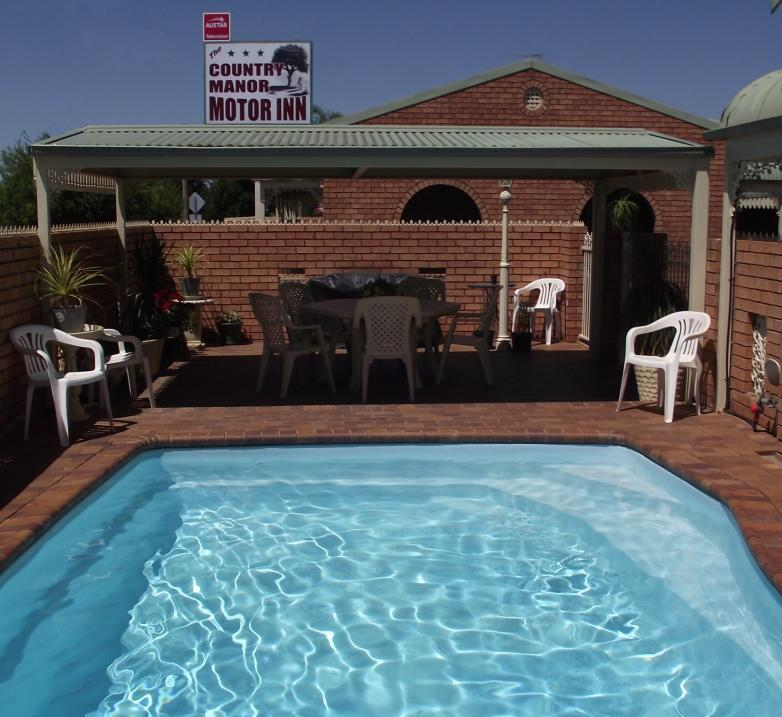 Country Manor Motor Inn - Surfers Paradise Gold Coast