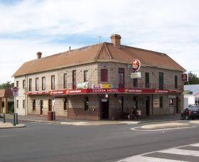 Cooma Hotel - Surfers Gold Coast