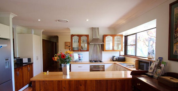 Cicada Country House - Surfers Paradise Gold Coast