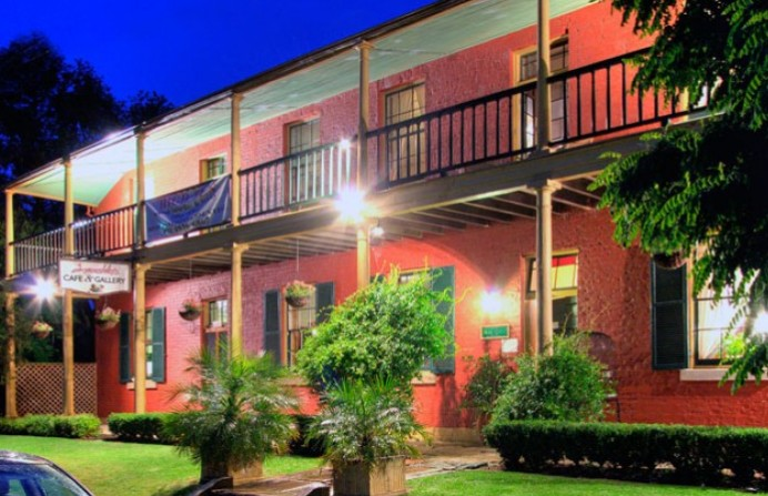 Anoushka's Boutique Bed and Breakfast - Surfers Paradise Gold Coast