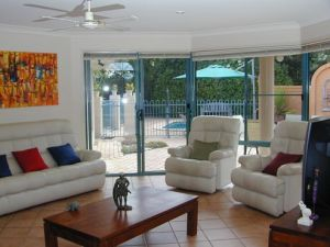 Golden Cane Bed and Breakfast - Surfers Gold Coast