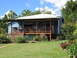 Blue House Family Accommodation - Surfers Gold Coast