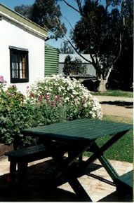 Dunalan Host Farm Cottage - Surfers Gold Coast