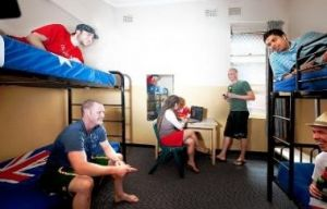 Maze Backpackers And Cb Hotel - Surfers Gold Coast