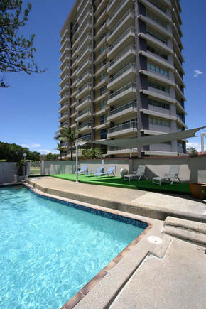 Narrowneck Court Surfers Paradise