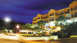 Airlie Beach Hotel - Surfers Gold Coast