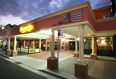 The Commodore Motor Inn - Surfers Paradise Gold Coast