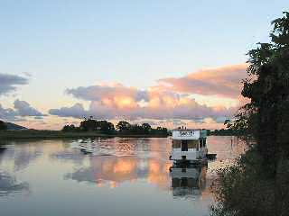 Tweed River Houseboats - Surfers Gold Coast