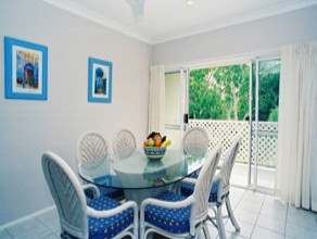 Sailz Boutique Holiday Villas - Surfers Gold Coast