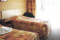 Tenterfield Bowling Club Motor Inn - Surfers Paradise Gold Coast