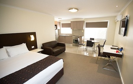 Country Comfort Premier Motel - Surfers Paradise Gold Coast