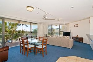 Chateau Royale Beach Resort - Surfers Gold Coast