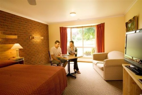 AAt 28 GOLDSMITHGolden Chain Motel - Surfers Gold Coast