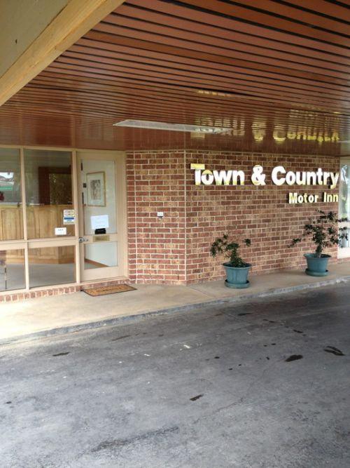 Town amp Country Motor Inn Forbes - Surfers Gold Coast