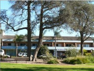 Huskisson Beach Motel - Surfers Gold Coast