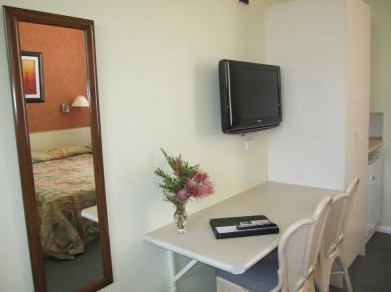 Wingham Motel - Surfers Paradise Gold Coast