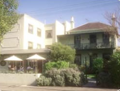 Magnolia Court Boutique Hotel - Surfers Gold Coast