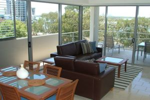 Space Holiday Apartments - Surfers Gold Coast