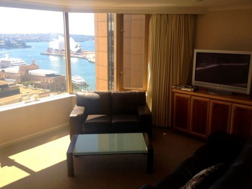 Rent a Room the Rocks - Surfers Gold Coast