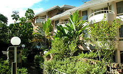 Wahroonga Waldorf Apartments - Surfers Gold Coast