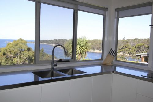Bay of Fires Beach House - Surfers Paradise Gold Coast