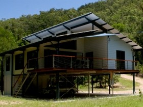 Creek Valley Rainforest Retreat - Surfers Gold Coast