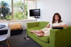 City Edge Serviced Apartments East Melbourne - Surfers Gold Coast
