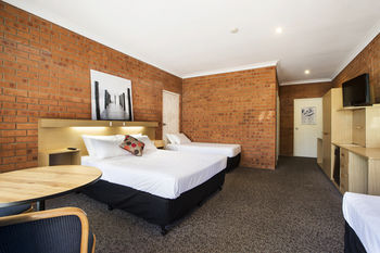 Archer Hotel Nowra - Surfers Gold Coast