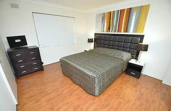 Balmain 3 Mont Furnished Apartment - Surfers Gold Coast