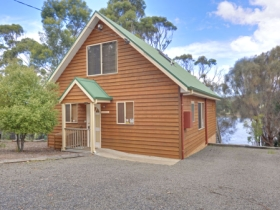 Orford Riverside Cottage - Surfers Gold Coast