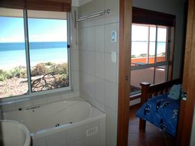 Ceduna Shelly Beach Caravan Park and Beachfront Villas - Surfers Gold Coast