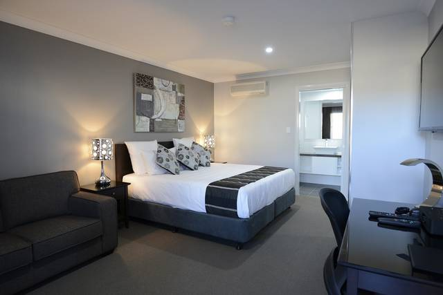 Aastro Dish Motor Inn - Surfers Gold Coast