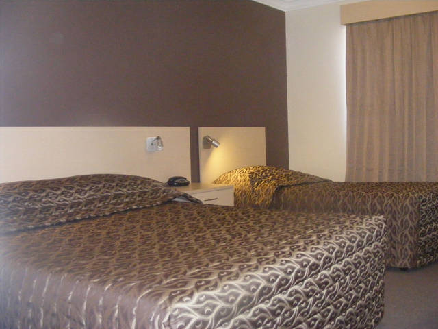 Econo Lodge Moree Spa Motor Inn - Surfers Paradise Gold Coast